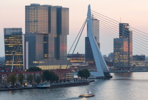 Coen-van-Oostrom-en-Rabobank-hebben-grootste-gebouw-van-Europa-in-Rotterdam-af